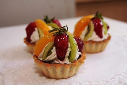 Корзиночки с фруктамиы